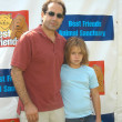 Tony Shalhoub with daughter Sophie — Stock Photo