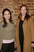 Mila Kunis and Laura Prepon — Stock Photo