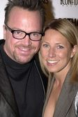 Tom arnold en vrouw shelby — Stockfoto
