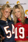 Paris Hilton and Tara Reid — Stock Photo
