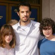 Постер, плакат: Guy Oseary with Scout Willis and Rumor Willis
