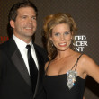 Постер, плакат: Cheryl Hines and husband