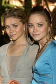 Ashley Olsen and Mary-Kate Olsen — Stock Photo