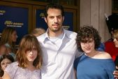 Guy Oseary with Scout Willis and Rumor Willis — Stock Photo