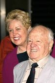 Mickey Rooney and wife — Stock Photo