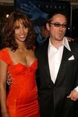 Halle Berry and Robert Downey Jr — Stock Photo