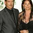 Постер, плакат: Pierce Brosnan and wife Keely Shaye Smith