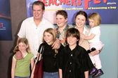 Christopher McDonald, his wife Lupe and children — Stock Photo