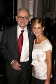 Honoree Alex Spanos and Sarah Michelle Gellar — Stock Photo