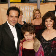 Tony Shaloub, wife Brooke Adams and daughter — Stock Photo