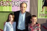 David Paymer, daughter Emily and friend Daniel — Stock Photo