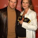 Brooke Shields and husband Chris Henchy — Stock Photo #17719755