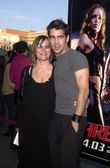 Colin Farrell and his mom — Stock Photo