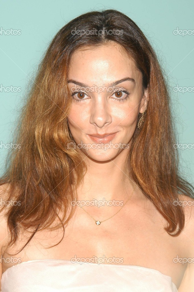 Daniela Amavia Net Worth