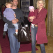 Foto de Stock  : Rob Estes, Josie Bissett and children