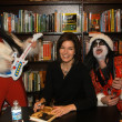 Sela Ward and KISS Kringle — Stock Photo