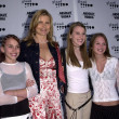Mariel Hemingway and daughters — Foto de Stock