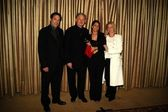 Victor Garber, Lauren Goldsmith and Patricia Wettig — Stock Photo