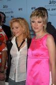 Brittany Murphy and Scarlett Johansson — Stock Photo