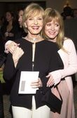 Florence Henderson and daughter — Stock Photo