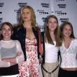Mariel Hemingway and daughters — Lizenzfreies Foto