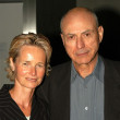 Alan Arkin and Suzanne — Stock Photo