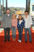 Tom Arnold, Jessica Simpson, Nancy Sinatra and Nick Lachey — Stockfoto