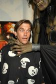 Bill Moseley with corpse — Stock Photo