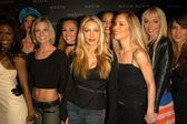 Jaime Pressly, Cyia Batten, Christina Applegate and Kasey Campbell — Stock Photo