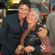 Постер, плакат: Gerard Butler and mom