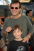 Bill Paxton and son James — Stock Photo