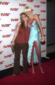 Zoe Winkler and Kimberly Stewart — Stock Photo