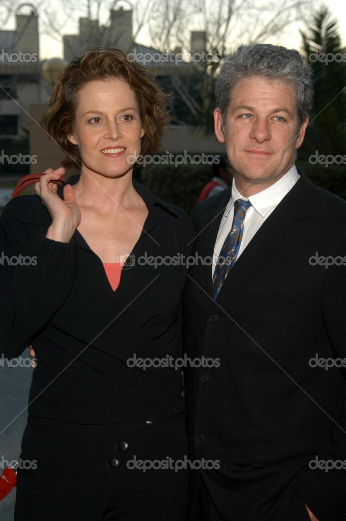 Sigourney Weaver and husband Jim Simpson – Stock Editorial ...