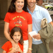 Mimi Rogers, daughter Lucy and husband — Stock Photo #17772543