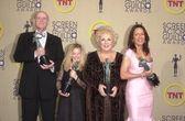 Peter Boyle, Madylin Sweeten, Doris Roberts and Patricia Heaton — Stock Photo