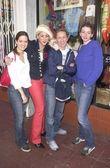 Jennifer Blanc with the Daily Candy girls Ashley Mcaddam and Tessa Benson — Stock Photo