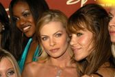 Jamie Pressly and The Pussycat Dolls — Stock Photo