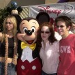 Kaley Cuoco and Amy Davidson and Martin Spanjers and Mickey Mouse — Stock Photo