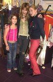 Jennifer Blanc with Monah Li and her daughter Lili — Stock Photo