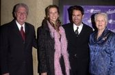 Eric McCormack and wife and parents — Stock Photo