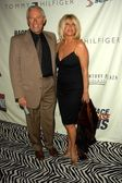 Alan Hamel and Suzanne Somers — Stock Photo