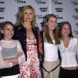 Mariel Hemingway and daughters — Stock Photo
