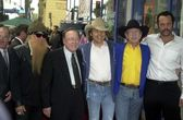 Billy Gibbons, Earl Scruggs, Dwight Yoakam, Buck Owens and Vince Vaughn — Stock Photo
