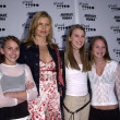 Mariel Hemingway and daughters — Stockfoto