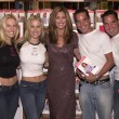 Kathy Ireland with Elaine and Diane K as well as Gary and Larry Lane - Foto Stock
