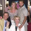 Catherine Oxenberg with husband Casper Van Dien, Michael York and wife Patricia McCallum — Lizenzfreies Foto