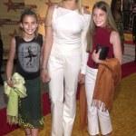 Mariel hemingway con hijas dree y langley — Foto de Stock