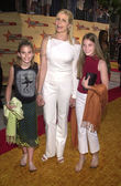 Mariel Hemingway with daughters Dree and Langley — Stok fotoğraf