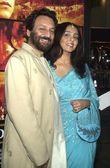 Director Shekhar Kapur and wife — Stock Photo