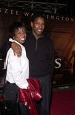 Denzel Washington and wife Paulette Pearson — Stock Photo